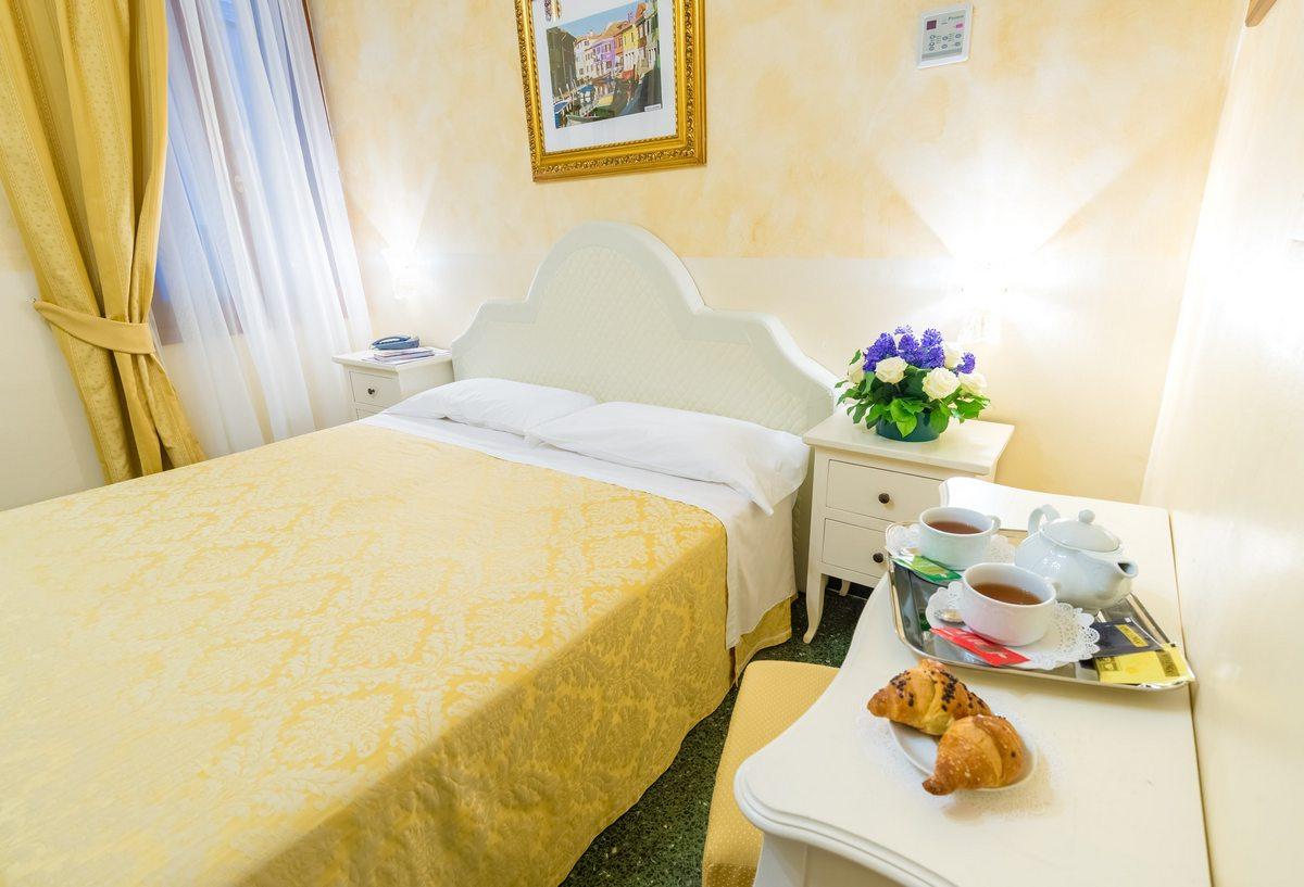 Hôtel Romantique Venise: Chambres avec Vue | Hotel Mercurio Site ...
